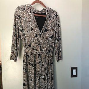 Black/tan paisley Liz Claiborne dress. Size XL.